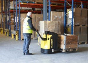 New-Hyster-P1.6-2.2-Pallet-Truck_Warehouse-Application-3